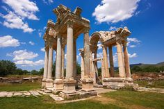 """Picture of the double Tetrapylon Gate 1, Aphrodisias, Turkey. A tetrapylon (Greek: Τετράπυλον, """"four gates"""") is an ancient type of Roman monument of cubic shape, with a gate on each of the four sides: generally it was built on a crossroads."""
