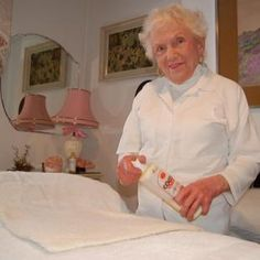 Evelyn Blackburn is a 98 year old massage therapist! She got her license in 1949. Read her story.