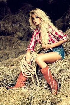 Country girl hair. Want it.