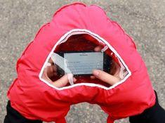 Rękawica z okienkiem na Smartfona, serce -    , tylko w empik.com: 49,99 zł. Przeczytaj recenzję Rękawica z okienkiem na Smartfona, serce. Zamów dostawę do dowolnego salonu i zapłać przy odbiorze!