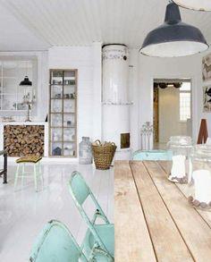huis interieur strak wit met steigerhout - Google zoeken