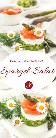 Spargel-Rezepte, Fisch-Rezepte: Dieses Rezept für einen geschichteten Spargel-Salat von herzelieb ist ganz einfach. Durch das Schichten kann man die Zutaten ganz toll erkennen. Für das Rezept wurde kein Lachs, sondern die sogenannte Lachs-Forelle verwendet. Im Frühling ganz toll! #fisch #spargel #salat