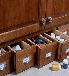 Make your kitchen cabinet designs and remodeling ideas a reality with the most recognized brand of kitchen and bathroom cabinetry - KraftMaid. Pan Storage, Spice Storage, Door Storage, Storage Shelves, Kraftmaid Kitchen Cabinets, Bathroom Cabinetry, Drawer Inserts, Drawer Dividers, Drawer Pulls