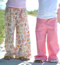 Tutorial: Lazy Days Lounge Pants 路(This tutorial is for childrens but its basically the same to make adult sizes.) Sewing Machine needed.