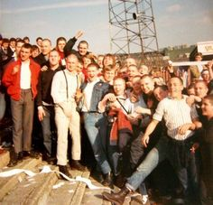 Portsmouth skinhead fans in 1970 Skinhead Boots, Skinhead Fashion, Punk Fashion, Boy Fashion, Skinhead Style, Punk Rock, The Babadook, Schoolboy Q, Skin Head