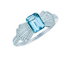 A coleção Blue Book 2014 da Tiffany & Co., que proclama as joias mais magníficas da joalheria, ansiosamente aguardada por colecionadores e conhecedores, será lançada mundialmente em abril, apresentando muitas peças com pedras preciosas de beleza indescritível, celebradas em designs exuberantes e inspiradores como a natureza. Essas pedras raras foram fundamentais por dar à Tiffany, …