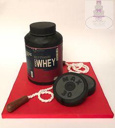 Protein canister cake #bari #cakedesign #cake #birthday  #tortaexpress #festedicompleanno #party  #fondant  #cakelover #sugarartist #sugar #topcake #cakedesigner #sugarpaste #fondantcake #gumpaste #proteincanister #protein #sport
