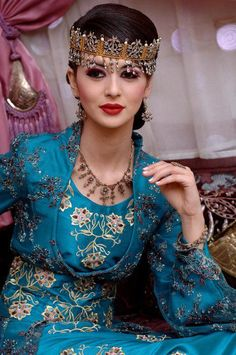 Chaba Bent Bladi  Algerian woman with traditional jewelry