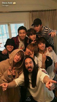 """BTS posting with """"Jesus"""". Sorry he's Steve Aoki. Bts Taehyung, Bts Bangtan Boy, Bts Jungkook, K Pop, Bts Memes, Foto Bts, Jung Hoseok, Die Beatles, K Drama"""