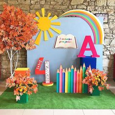 Pupils happy holiday you ! This bright photozone is waiting for you at photozone - New Deko Sites Graduation Decorations, School Decorations, School Themes, Diy Game, Photo Zone, Preschool Graduation, School Parties, Art Party, Backdrops For Parties