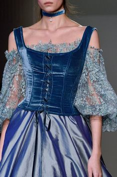 Luisa Beccaria at Milan Fashion Week Fall 2016 - Details Runway Photos