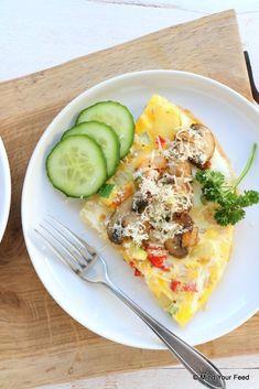 Farmers omelet with vegetables - Mind Your Feed - Chickpea Omelette, Healthy Omelette, Breakfast Omelette, Omelette Recipe, Chorizo, Atkins, Easy Omelet, Omelette Ideas, Avocado