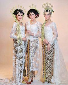 from photoshoot for portfolio and catalogue --------------------------------------------- Mua by : take by : Talent : Wedding Hijab Styles, Hijab Wedding Dresses, Wedding Dressses, Wedding Attire, Kebaya Modern Hijab, Kebaya Muslim, Javanese Wedding, Indonesian Wedding, Kebaya Lace