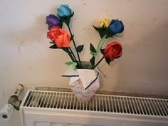 Rose et vase en origami