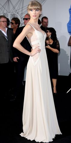 elegant long formal dress worn by taylor swift