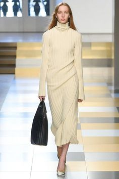 Jil Sander Fall 2017 Ready-to-Wear Collection Photos - Vogue