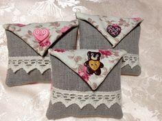 3 sachets de lavande en lin et coton modèle petits cœurs et ourson : Accessoires de maison par l-atelier-creatif-de-aude