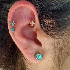Dainty Diamond Earrings in Solid Gold / Chevron Earrings / V Stud Earrings / Delicate Diamond Studs / Graduation Gift - Fine Jewelry Ideas Rook Piercing Jewelry, Rook Jewelry, Ear Piercings Rook, Jewelry For Her, Ears Piercing, Dermal Piercing, Double Piercing, Double Cartilage, Tongue Piercings