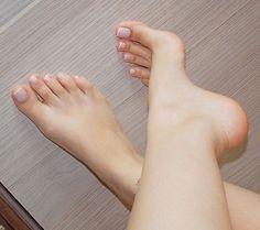 Bare Foot 2 (0766)