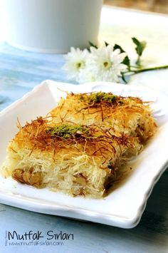 Cypriot Food, Turkish Recipes, Ethnic Recipes, Lebanese Desserts, Delicious Desserts, Yummy Food, Turkish Kitchen, Food Blogs, Food And Drink
