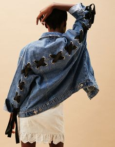 YNZZU Bf Style Autumn Winter Women Denim Jacket 2017 Fashion Back Bandage Harajuku Loose Female Jeans Coat colete feminino Elisa Cavaletti, Diy Vetement, Denim Ideas, Ripped Denim, Mode Inspiration, Mode Style, Denim Fashion, Fashion Outfits, Refashion