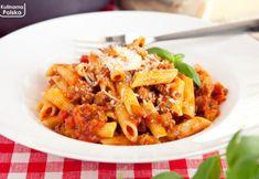 Najlepszy przepis na sos bolognese. Właśnie taki jedliśmy we Włoszech Kfc, Japchae, Ethnic Recipes, Food, Pergola, Meals, Yemek, Arbors, Eten