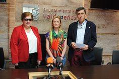 Valdepeñas - La Asociación de Amas de Casa entrega 840 euros a A-Down