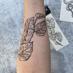 Left Arm Tattoos, Vine Tattoos, Dream Tattoos, Future Tattoos, Body Art Tattoos, Back Of Forearm Tattoo, Tatoos, Sleeve Tattoos For Women, Tattoos For Women Small