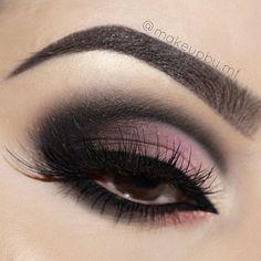 "1️⃣ Eyebrows @anastasiabeverlyhills #dipbrow in ""Ebony"" 2️⃣ @hudabeauty @shophudabeauty textured rose gold edition eyeshadow palette • Suede • Black Truffle • Coco • Bossy • Flamingo • Moon Dust • Rose Gold ✨Lashes in style ""Scarlett"" 3️⃣ @tartecosmetics clay paint liner 4️⃣ Brushes I used for this look are @morphebrushes #anastasiabeverlyhills #norvina #hudabeauty #hudabeautylashes #shophudabeauty #hudabeautyrosegoldpalette #hudabeautyliquidmatte #hudabeautylipcontour #alyakattan…"