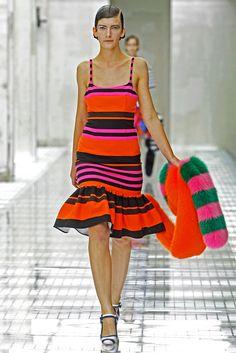 Prada Spring 2011 Ready-to-Wear Fashion Show
