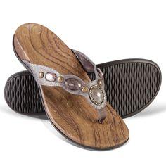 b896f67038d4c2 The Lady s Plantar Fasciitis Sparkling Sandals - Hammacher Schlemmer Kuru  Shoes