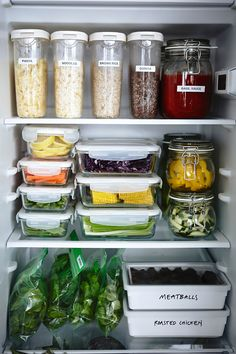 Terrific Glass Meal Prep Containers that Last Forever! is part of Fridge organization - The best glass meal prep containers out there, and they all last forever! Now you don't have to worry about toxic chemicals getting in to your meals! Refrigerator Organization, Pantry Organization, Organized Fridge, Fridge Storage, Ikea Food Storage, Clean Fridge, How To Organize Fridge, Fridge Organisers, Smart Storage