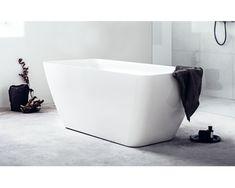Vårt nye badekar Reyk er skapt i slitesterk naturlig støpemarmor bestående av krystalliserte fjellmineraler. Dette leder tankene til naturens varme kilder. Takket være materialets varmebevarende egenskaper, får du et herligere bad, og dessuten bidrar du til å verne naturen. Badedybde på 47 cm og 158 x 70 cm som standardmål passer på de fleste baderom. Leveres med avløpssett.