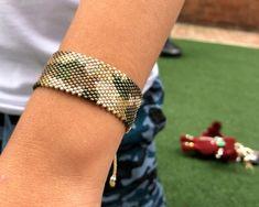 Ladrillo 1011 Beaded Bracelet Patterns, Cuff Bracelets, Bangles, Bead Embroidery Jewelry, Beaded Embroidery, Bead Jewellery, Jewelery, Brick Stitch, Loom Bracelets