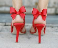 Love these red bowed shoes. These would be great for bridesmaid with cocktail/tea length dresses