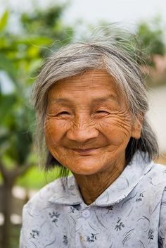 What a beautiful face! I love wrinkles!