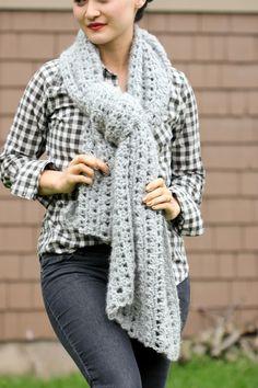 DIY: crochet shawl scarf ༺✿Teresa Restegui http://www.pinterest.com/teretegui/✿༻