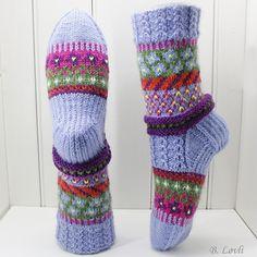 Ravelry: Snart Vår pattern by StrikkeBea Knitting Socks, Knit Socks, Needles Sizes, Leg Warmers, Ravelry, Wool, Stitch, Crafts, Design