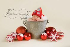 Love this Idea for a newborn shoot Baby Christmas Photos, Xmas Photos, Christmas Portraits, Newborn Christmas, Babies First Christmas, Christmas Cards, Newborn Pictures, Baby Pictures, Newborn Baby Photography