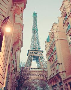 Fall in Paris. Perfection.  via http://thingsthatsparkleblog.blogspot.com/