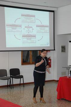 """Dr. Karima Kourtit lecturing """"the urban face"""""""