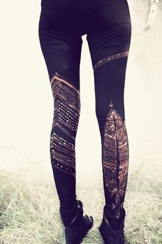 https://www.etsy.com/fr/listing/116612641/feather-tribe-leggins-handpainted?ref=shop_home_active_15