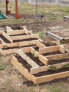 Pyramid Planter Plans | Strawberry Pyramids...Or, When Life Hands You Time, Use It To Your ...