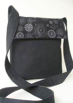 Black sunburst Mini Messenger  #purse#messenger bag#SAteamEtsy#handmade#black