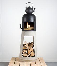 Deze houtkachel is eigenlijk ontworpen met het idee van een standbeeld in het achterhoofd van de ontwerper, Yanes Wuhl. Omdat een houtkachel meestal een vaste plek in huis krijgt kan dat dus ook.