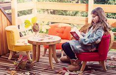 Kreslá, sedačky, taburetky / Detské dizajnové kreslo červené