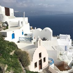 Santorini, Greece vacation Greece Vacation, Santorini Greece, Places To Go, Mansions, House Styles, Manor Houses, Villas, Greece Destinations, Fancy Houses