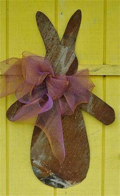 Rusty Tin Bunny Door Hanger