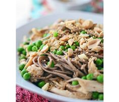 15-Minute Chicken Dinner Recipes: Soba Noodles With Chicken and Ginger Peanut Sauce #SelfMagazine