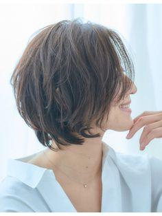 【VIRGO】40代50代◎ラフで大人カジュアルなショートボブ Short Bob Hairstyles, Cute Hairstyles, Shag Bob, Medium Hair Styles, Short Hair Styles, Bob Styles, Layered Cuts, Natural Curls, Short Hair Cuts